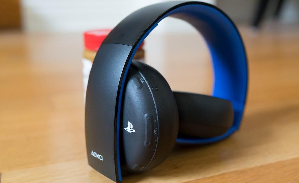 PlayStation Gold headset photo