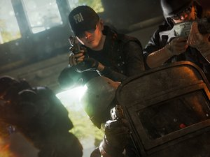 Rainbow Six Siege scmhoozes gamescom with German counter terror unit photo