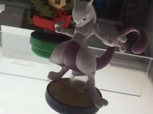 Mewtwo amiibo photo