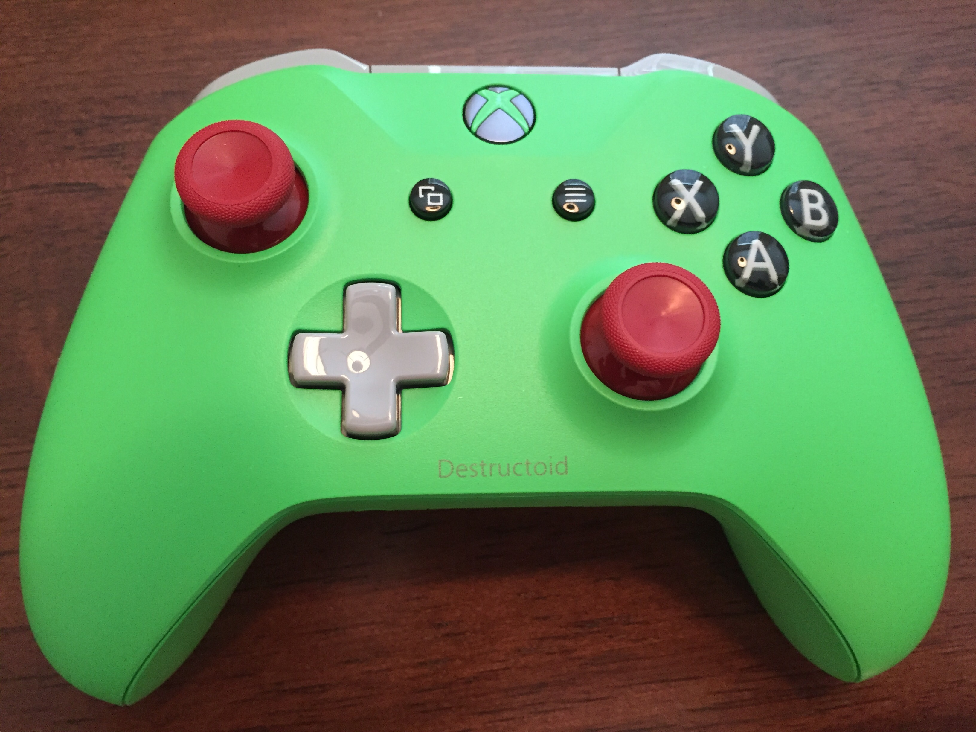 Take A Look At Our Custom Xbox One S Destructoid Controller
