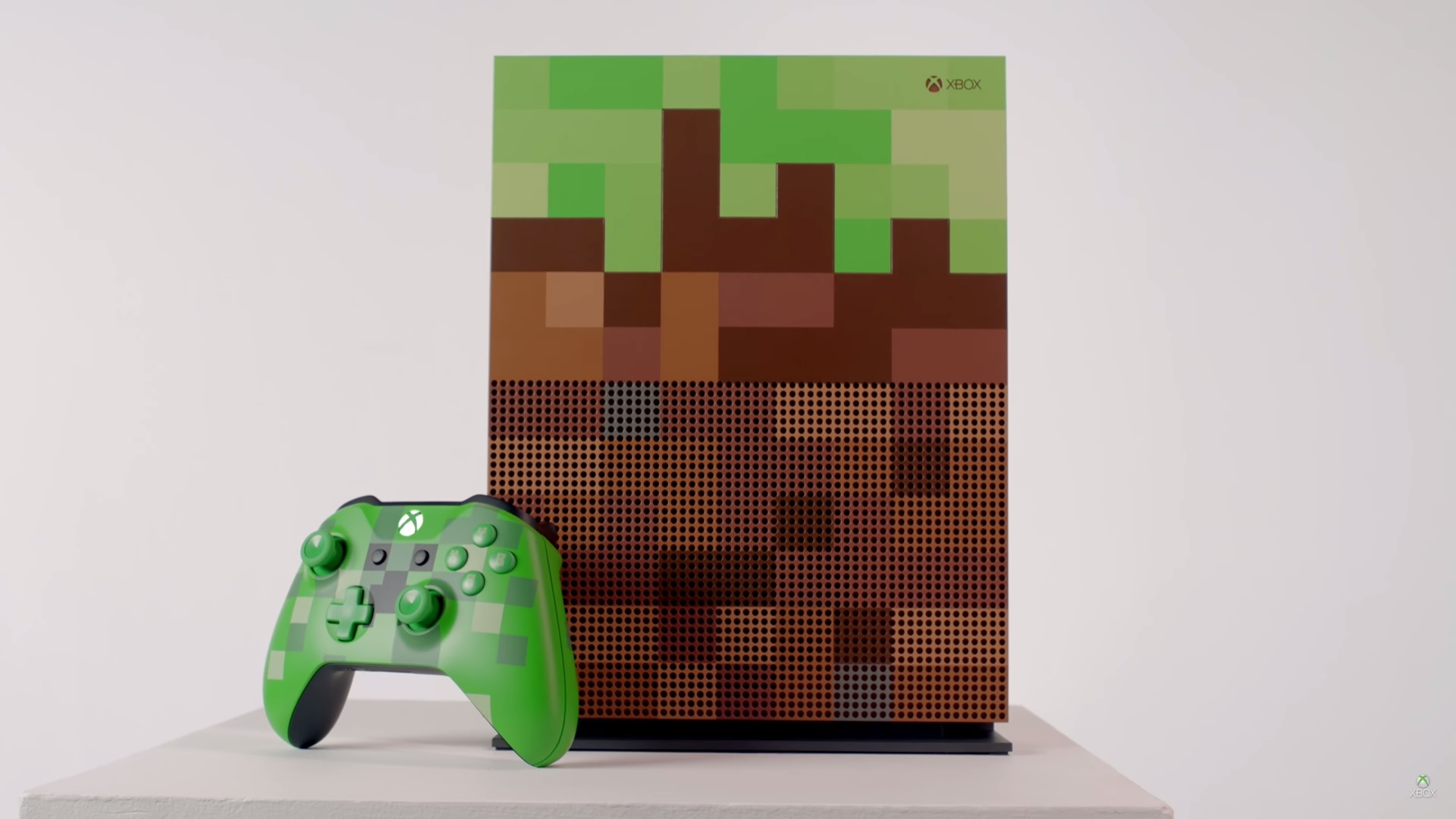 You'll probably either love or hate this Minecraft limited edition Xbox One S screenshot