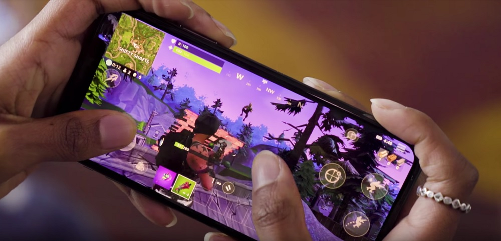 New trailer reveals Fortnite gameplay footage on iPhone X screenshot