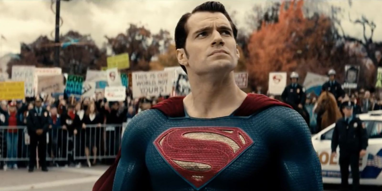 Henry Cavill confuses the hell out of us with his response to Superman rumors screenshot