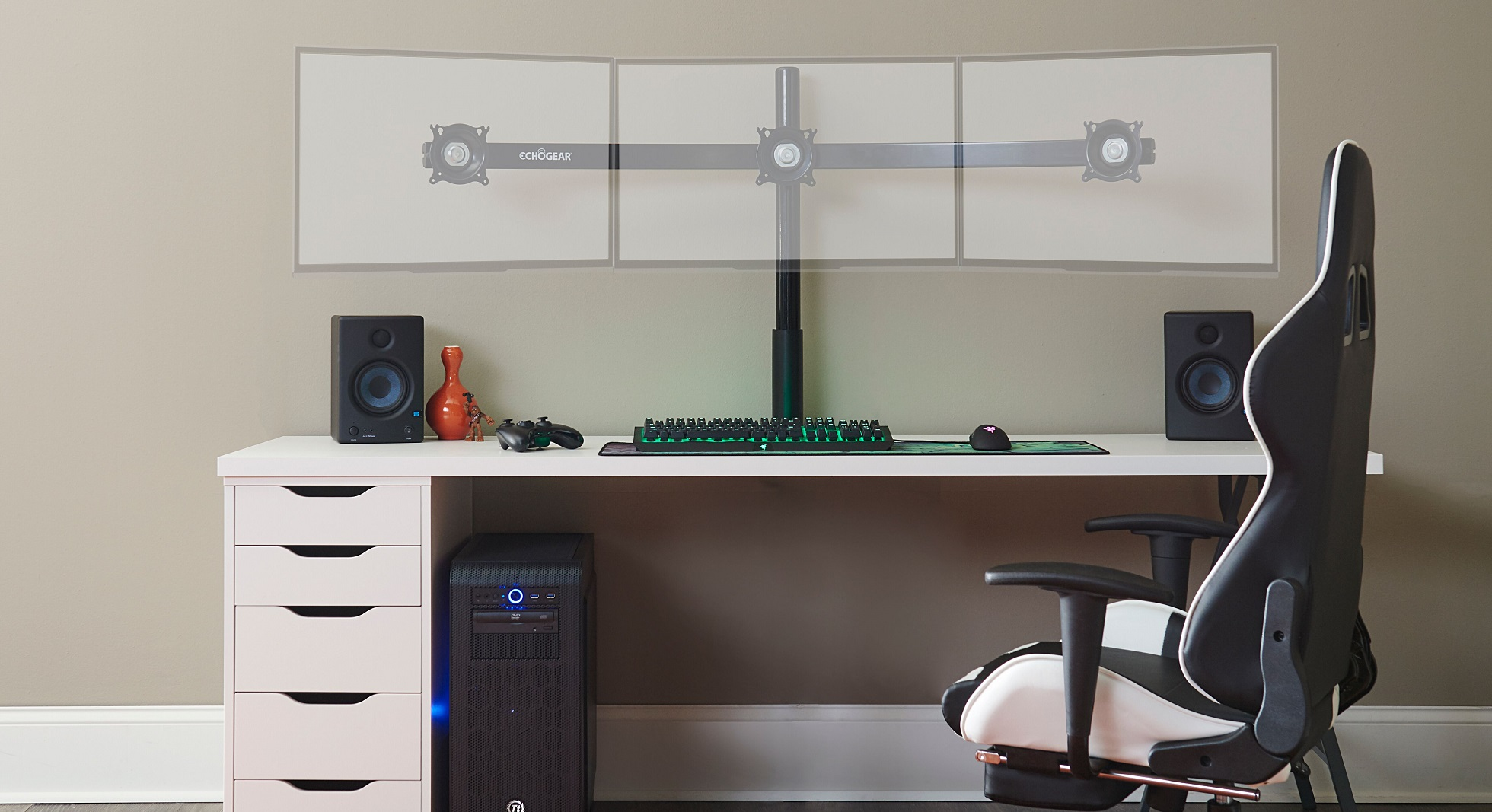 Contest: Win one of three Echogear monitor mounts screenshot
