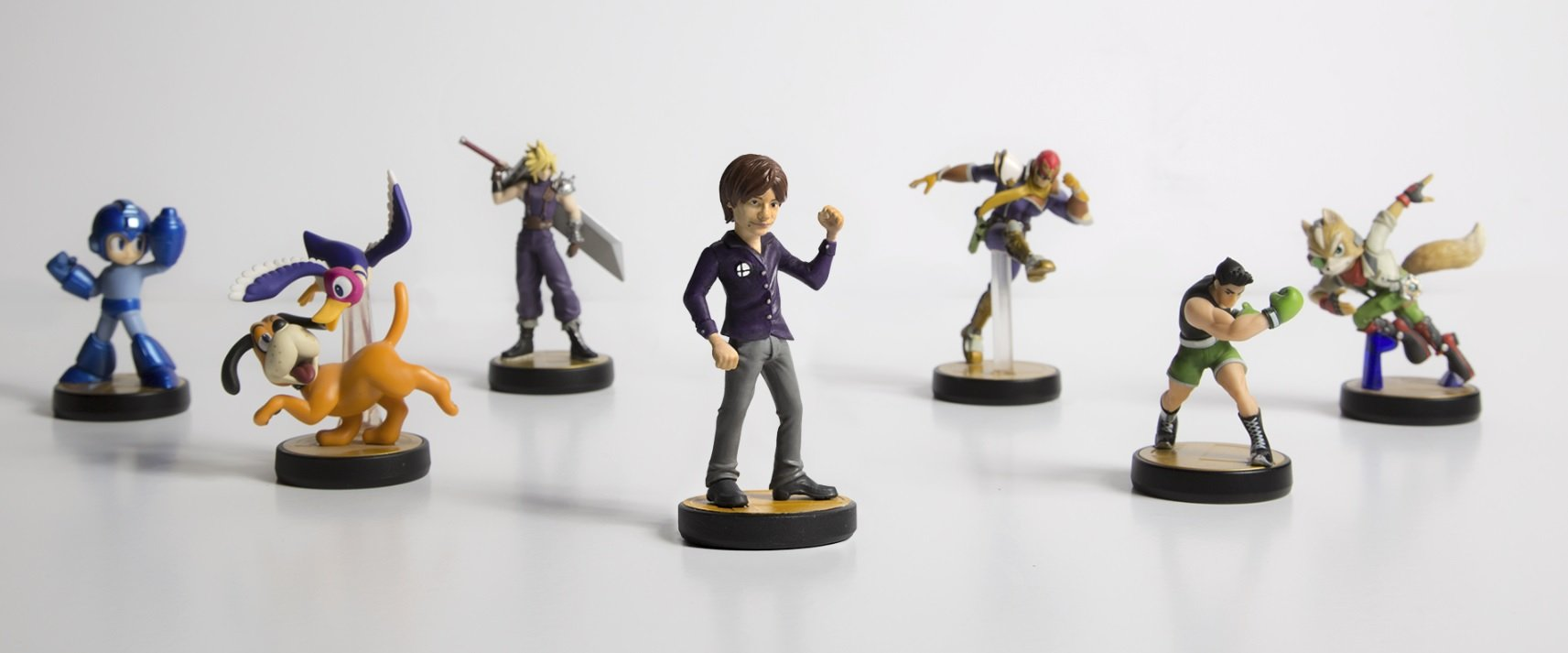 On the eve of Super Smash Bros. Ultimate's launch, someone made a Sakurai amiibo screenshot