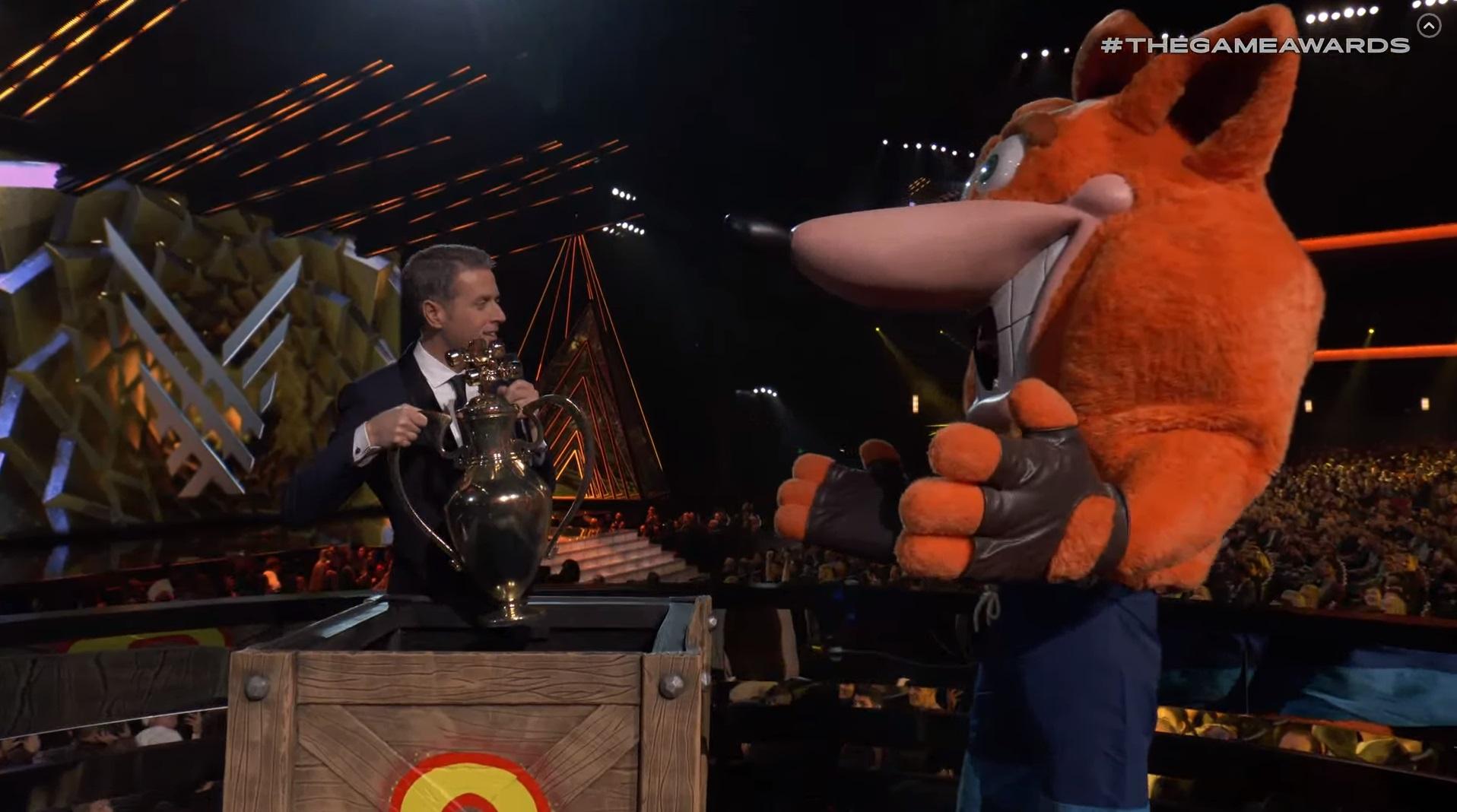 Crash crashes Game Awards, gives Geoff a trophy screenshot
