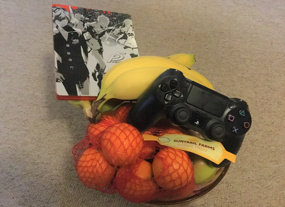 Man busted for buying cheap PS4 console after pretending it was fruit screenshot