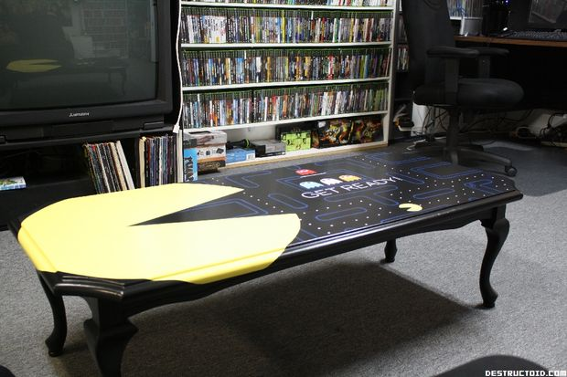 Better than ikea the custom pac man coffee table - Customiser table ikea ...
