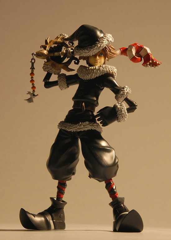 New Kingdom Hearts Figures Are Way Too Sexy