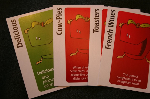 how do you play apples to apples game comes