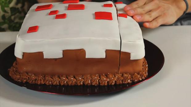 Tasty Feast Of Fiction Bakes A Minecraft Cake