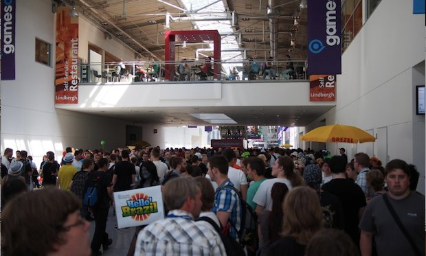 gamescom in pictures: Crowds, currywurst and 7-hour lines photo