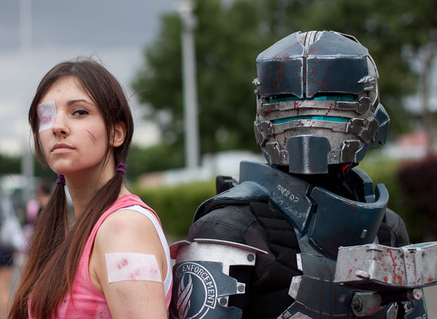 dead space cosplay brings isaac and ellie to life