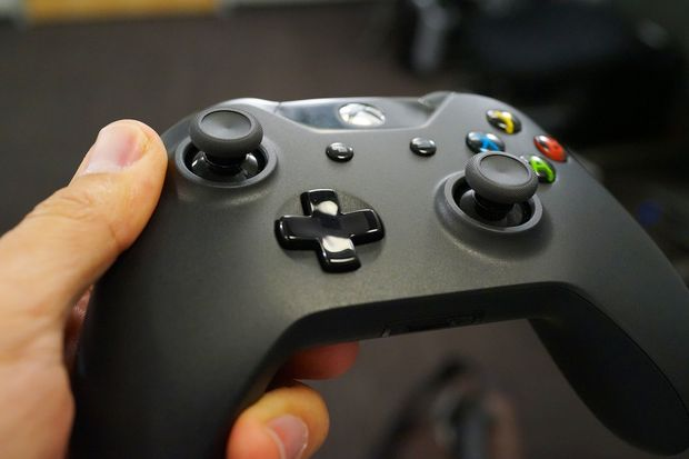 Hands-on and up close with the Xbox One controller