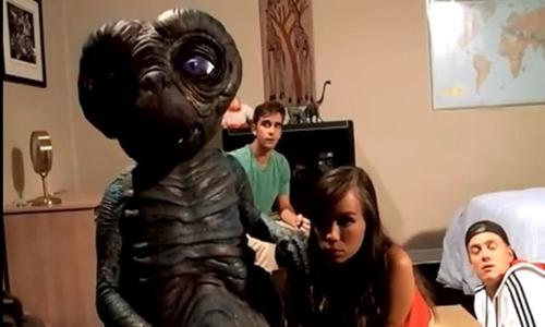 E.T. Porn Parody