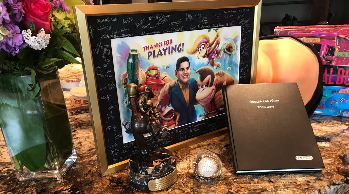 Reggie got some sweet gifts after retiring from Nintendo screenshot