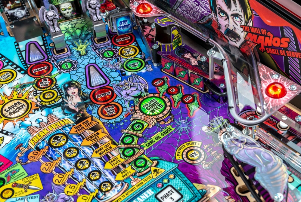 Elvira's House of Horrors welcomes the Mistress of the Dark back to pinball screenshot