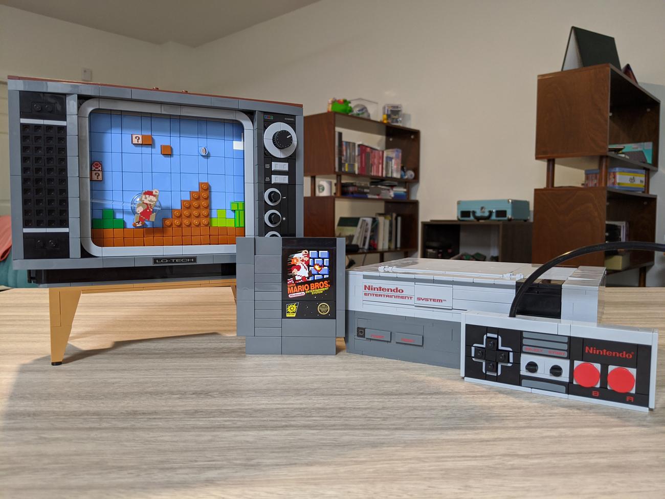 Got five minutes? Watch us put together the LEGO NES set screenshot