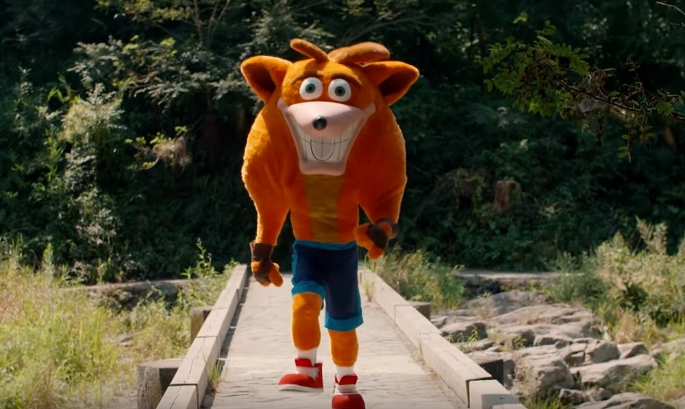 Live-action Crash Bandicoot returns in unnerving Japanese commercial screenshot