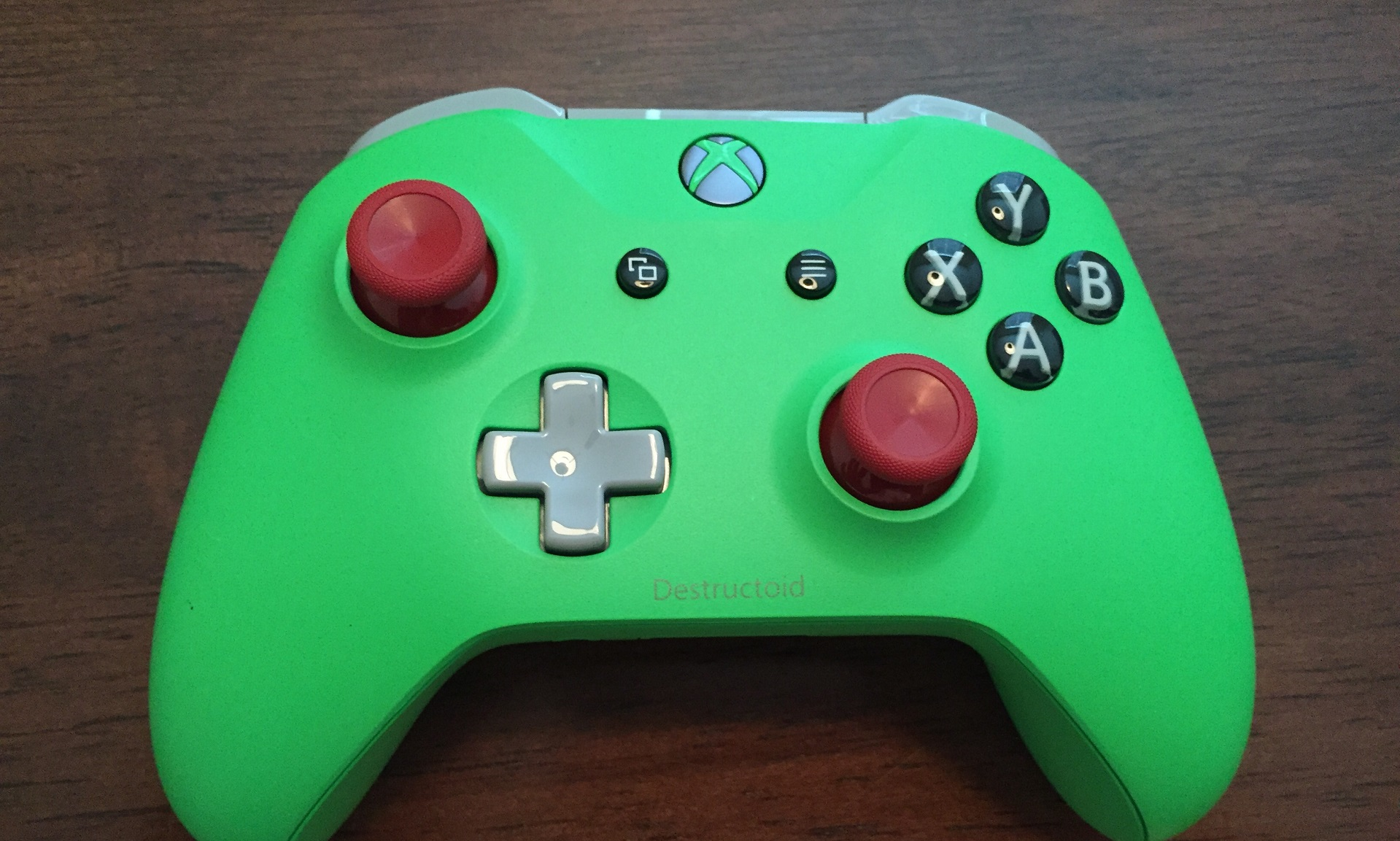 Save $10 on a custom Xbox controller before Design Lab disappears screenshot