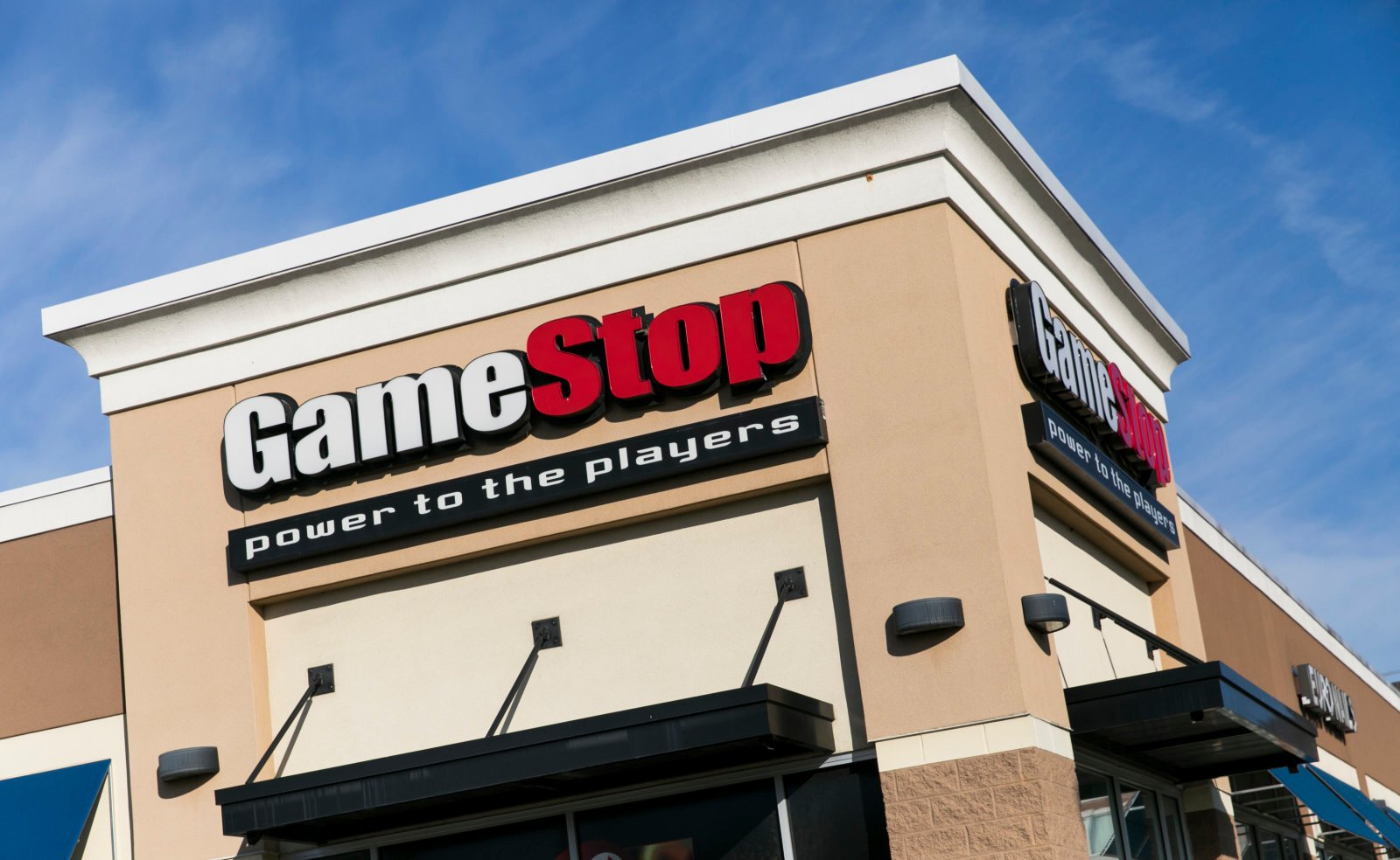 Now GameStop employees will badger you while holding a Microsoft Surface screenshot