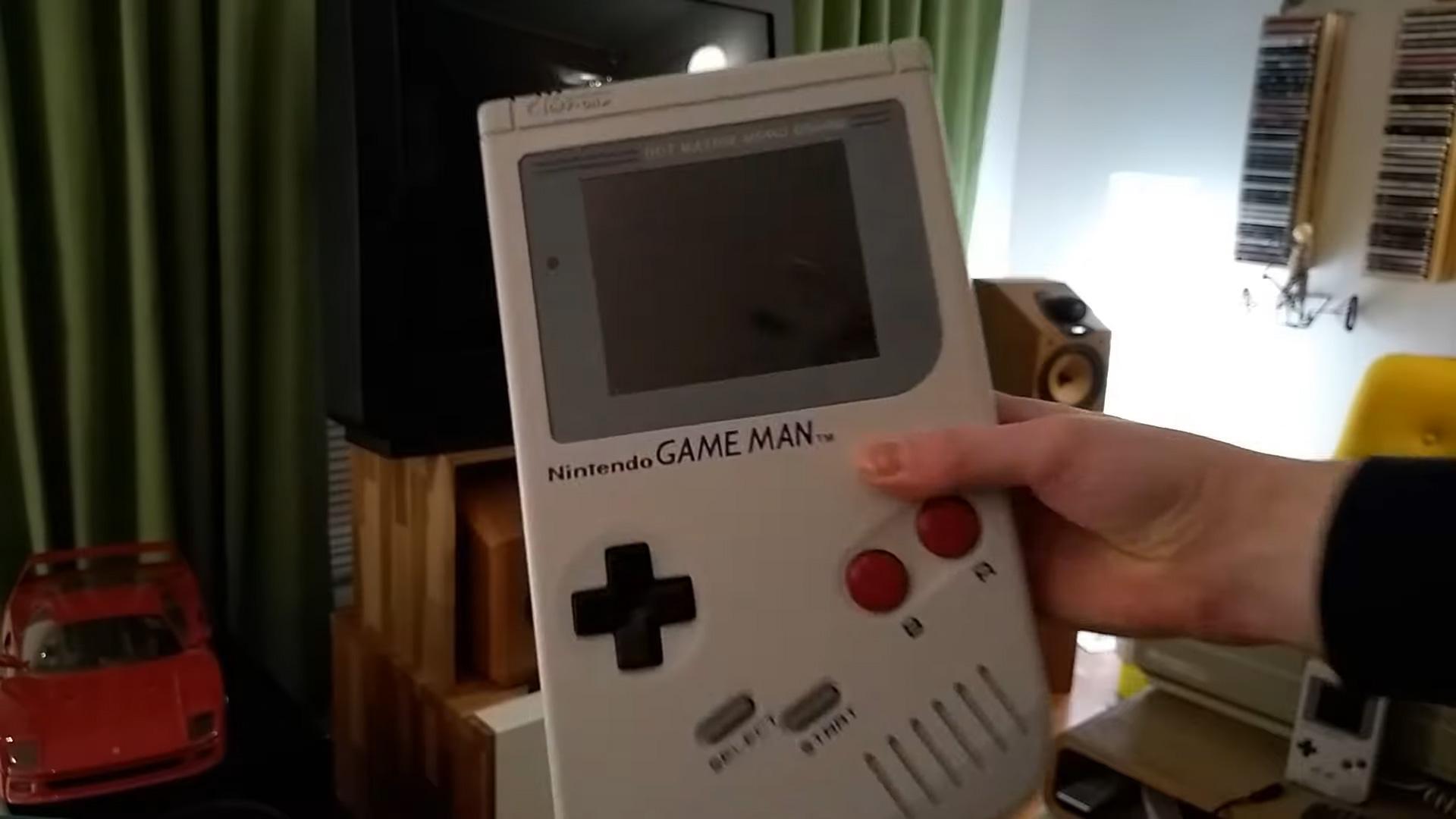I love the absurdity of the Nintendo Game Man screenshot