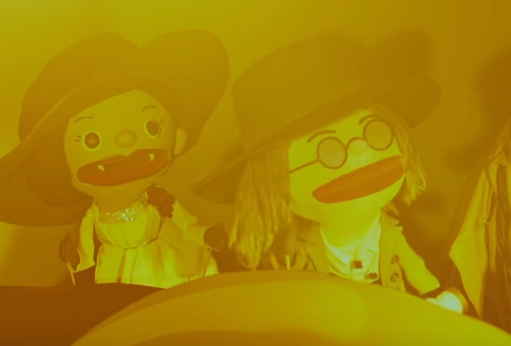Resident Evil Village puppets meet a special guest in their latest episode screenshot